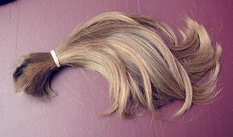 home straightening kit makes beauty queen's hair fall out